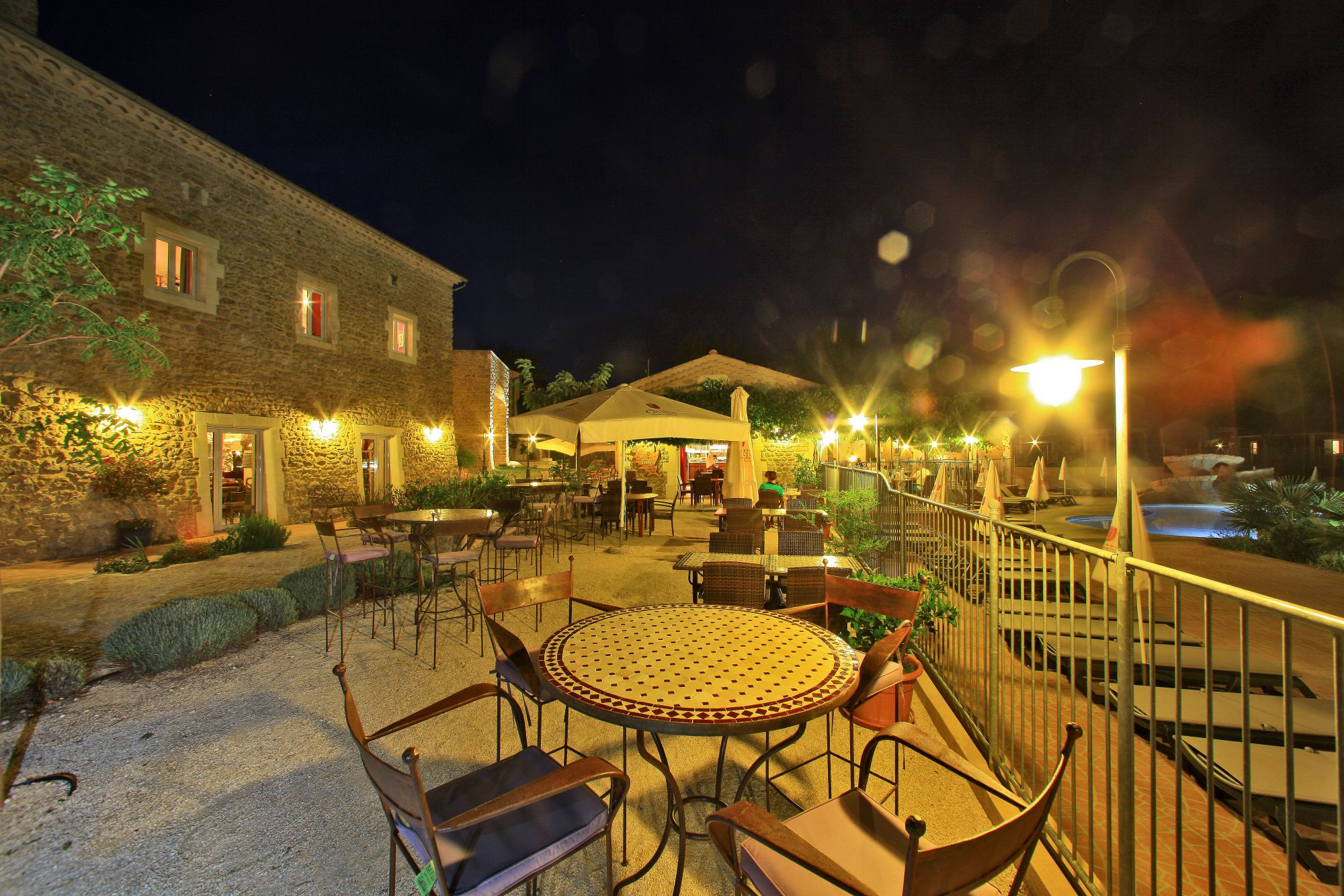 domaine sevenier camping 5 etoiles ardeche restaurant galerie photo4 - Sur Place