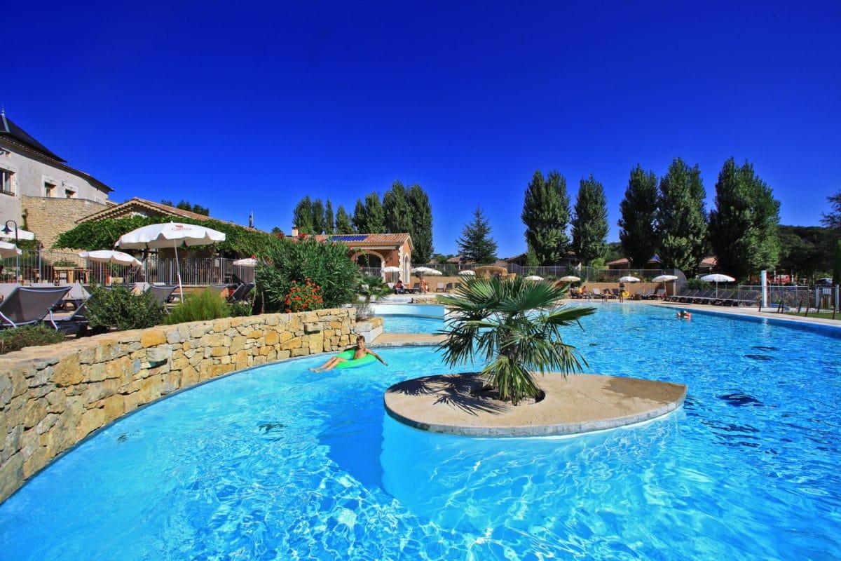 domaine sevenier camping 5 etoiles ardeche piscine galerie photo 12 1200x800 - Piscine