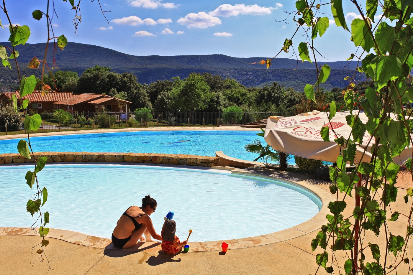 domaine sevenier camping 5 etoiles ardeche piscine galerie photo 14 - domaine-sevenier-camping-5-etoiles-ardeche-piscine-galerie-photo-14