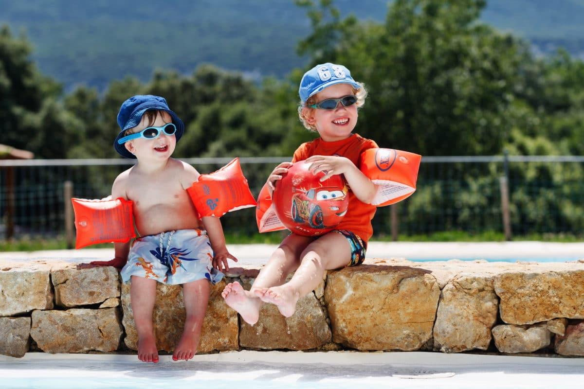 domaine sevenier camping 5 etoiles ardeche piscine galerie photo 18 1200x800 - Piscine