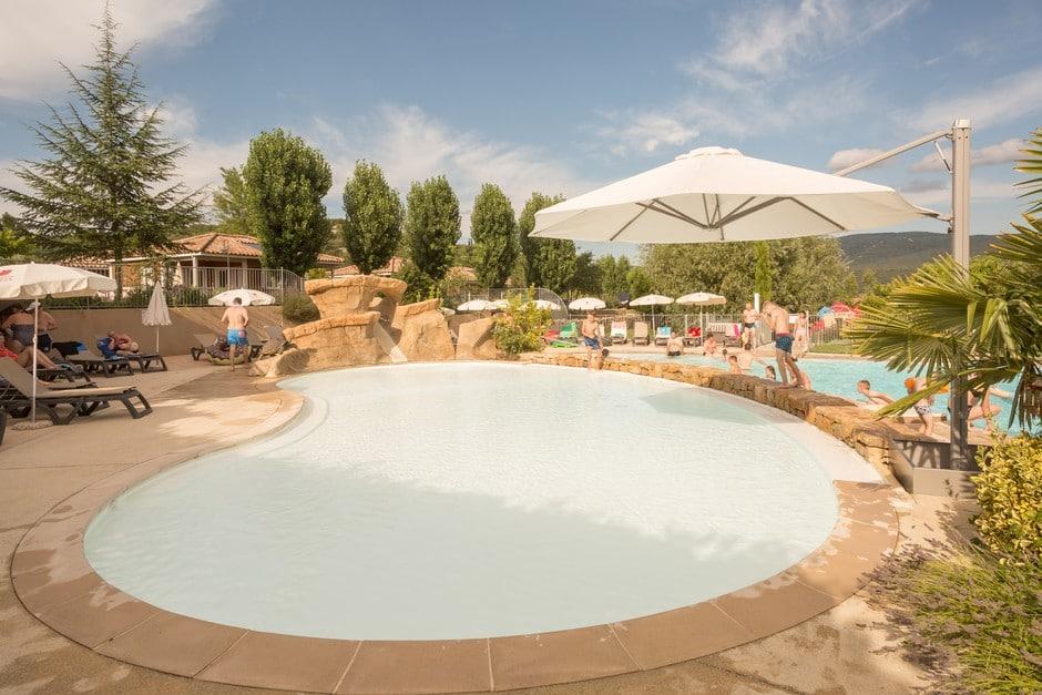 domaine sevenier camping 5 etoiles ardeche piscine galerie photo 21 - Piscine