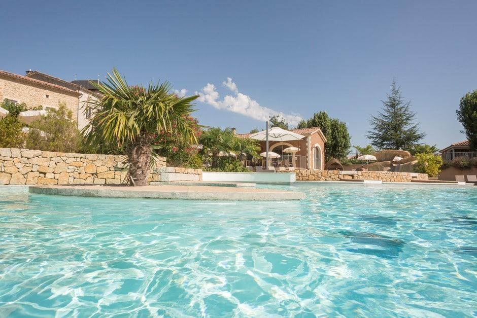 domaine sevenier camping 5 etoiles ardeche piscine galerie photo 24 - Piscine