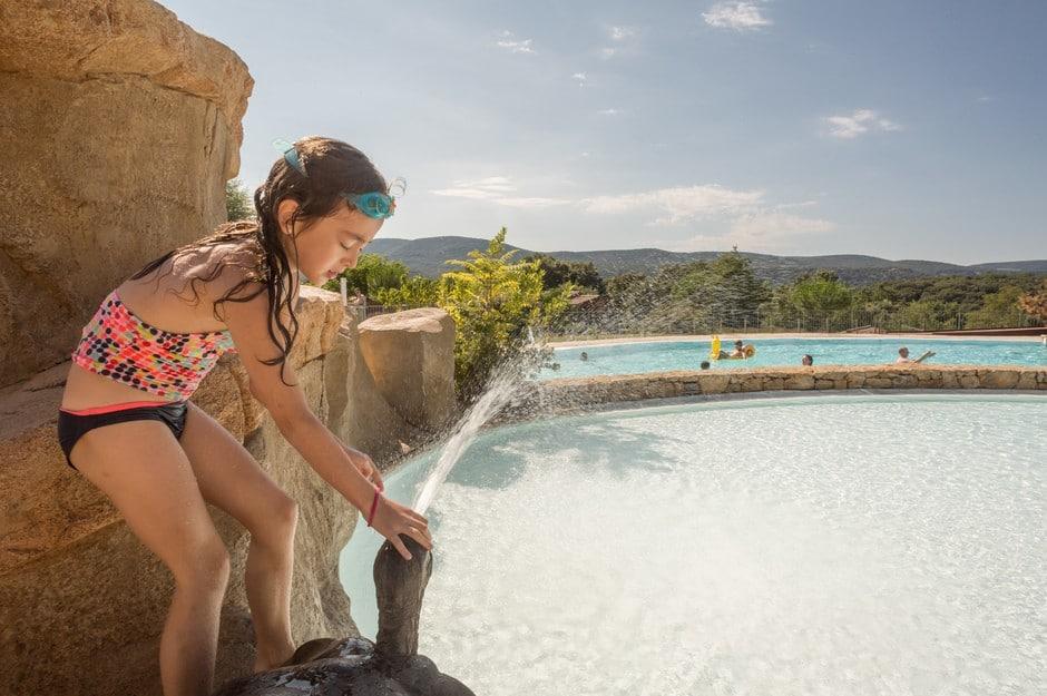 domaine sevenier camping 5 etoiles ardeche piscine galerie photo 29 - Piscine