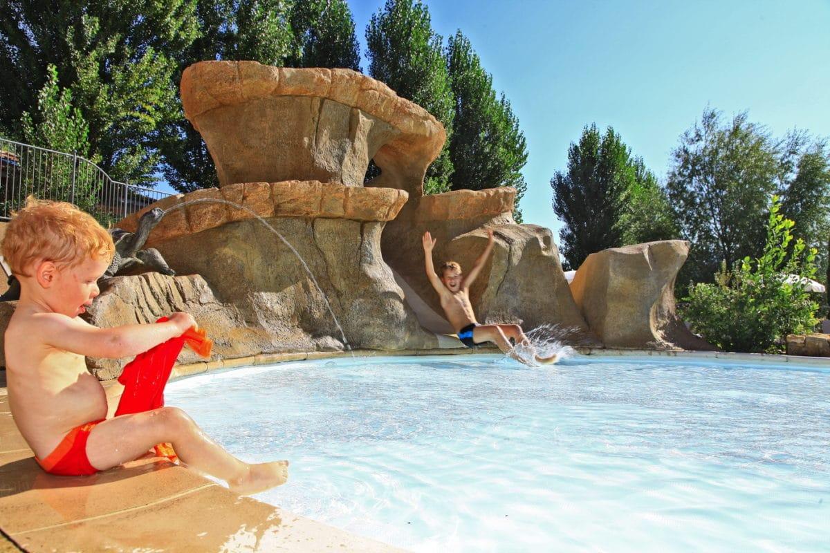 domaine sevenier camping 5 etoiles ardeche piscine galerie photo 9 1200x800 - Piscine