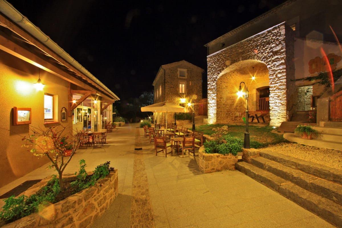 domaine sevenier camping 5 etoiles ardeche restaurant galerie photo15 1200x800 - Galeries
