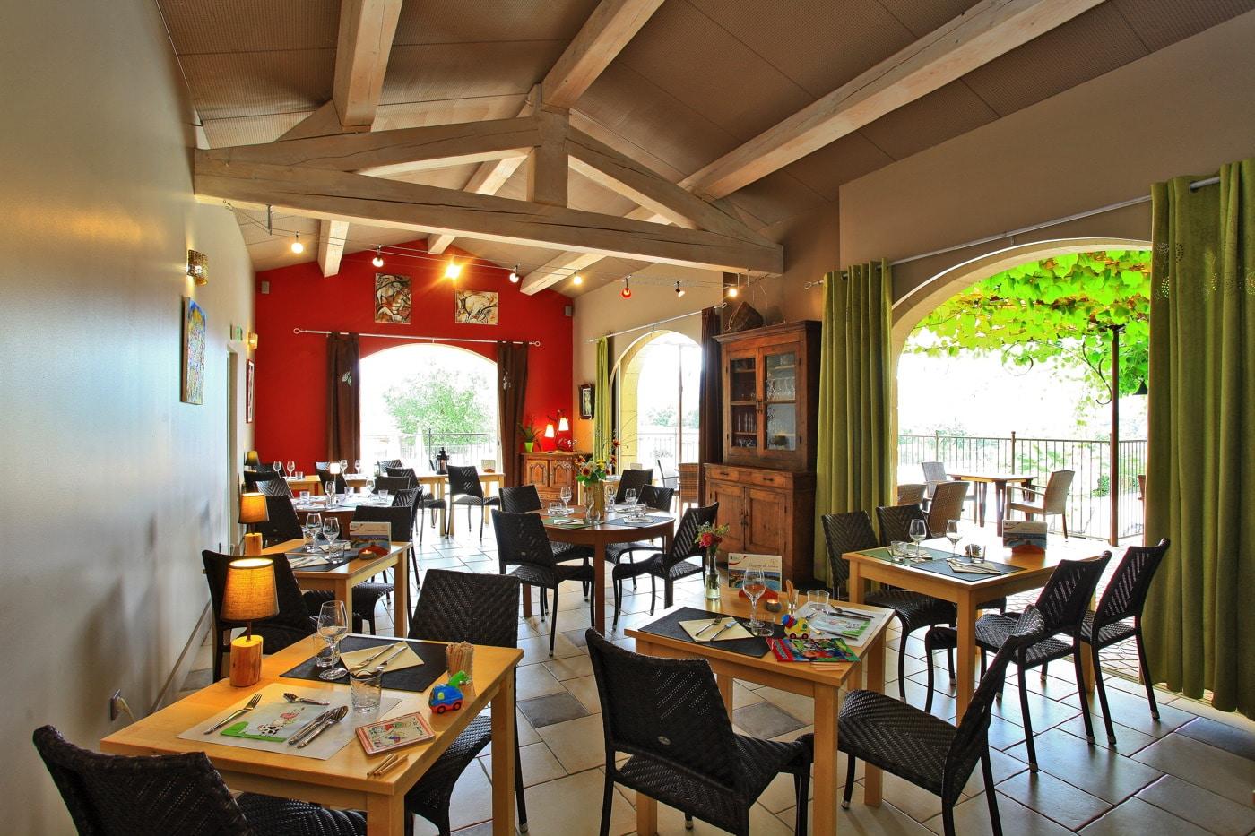 domaine sevenier camping 5 etoiles ardeche restaurant galerie photo16 - domaine-sevenier-camping-5-etoiles-ardeche-restaurant-galerie-photo16