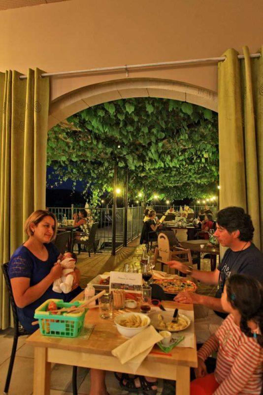 domaine sevenier camping 5 etoiles ardeche restaurant galerie photo21 534x800 - Galeries