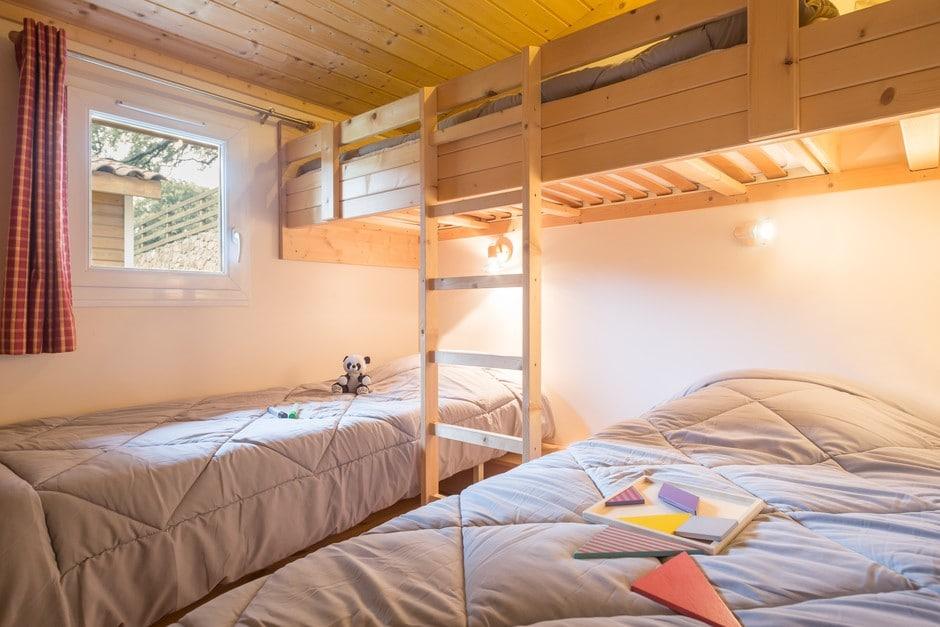 domaine sevenier camping location vacance en ardeche chalet chene blanc 3 - Galeries