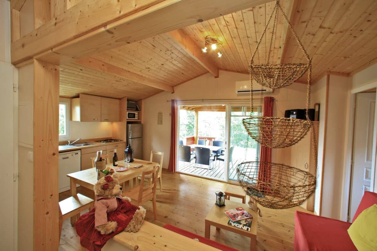 domaine sevenier camping location vacance en ardeche chalet chene vert 13 1200x800 - Galeries