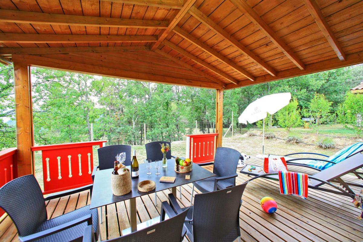 domaine sevenier camping location vacance en ardeche chalet chene vert 14 1200x800 - Galeries