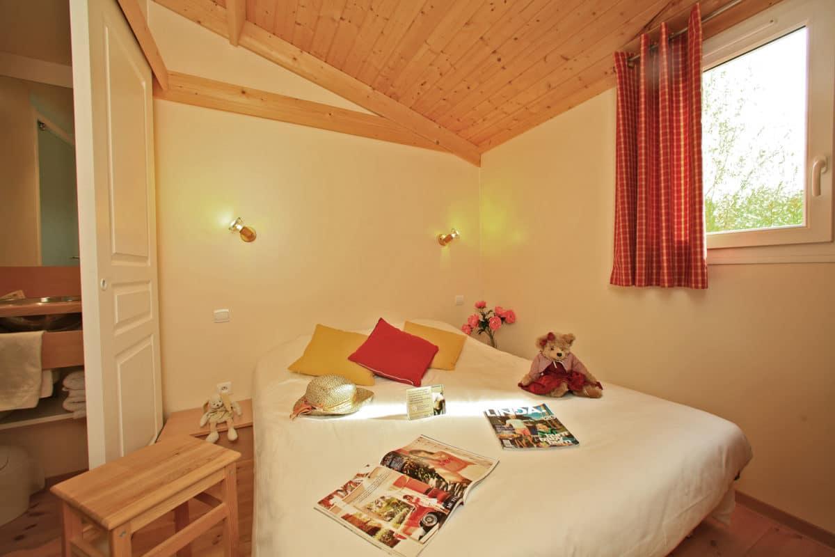 domaine sevenier camping location vacance en ardeche chalet chene vert 15 1200x800 - Galeries