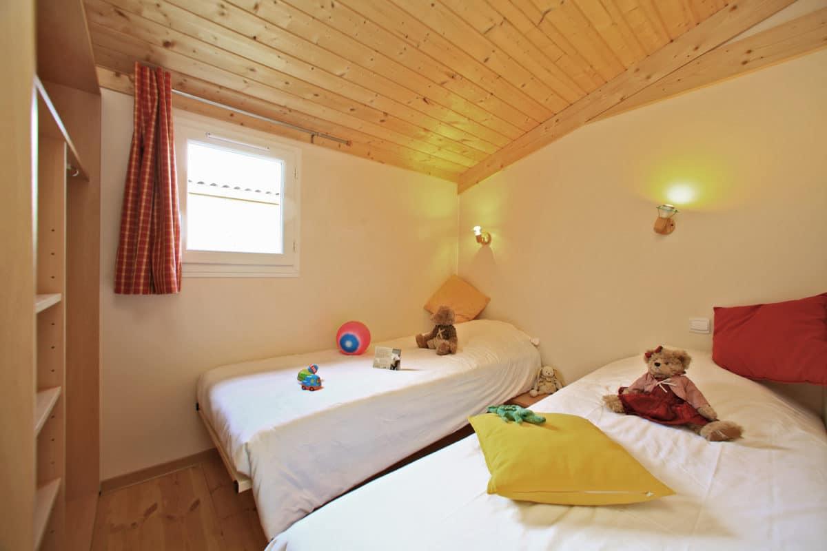 domaine sevenier camping location vacance en ardeche chalet chene vert 17 1200x800 - Galeries