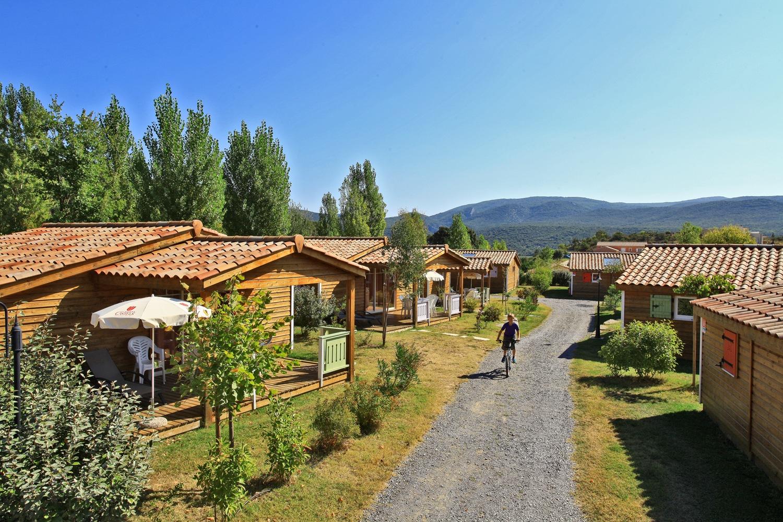 domaine sevenier camping location vacance en ardeche chalet chene vert 9 - domaine-sevenier-camping-location-vacance-en-ardeche-chalet-chene-vert-9