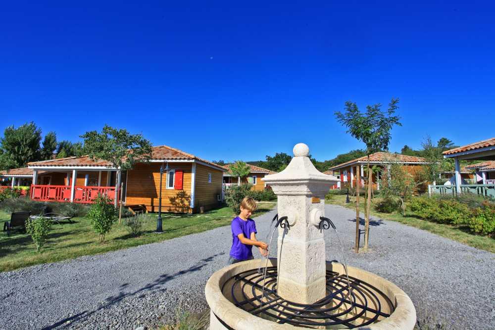 domaine sevenier camping location vacance en ardeche chalet olivier 1 - Galeries