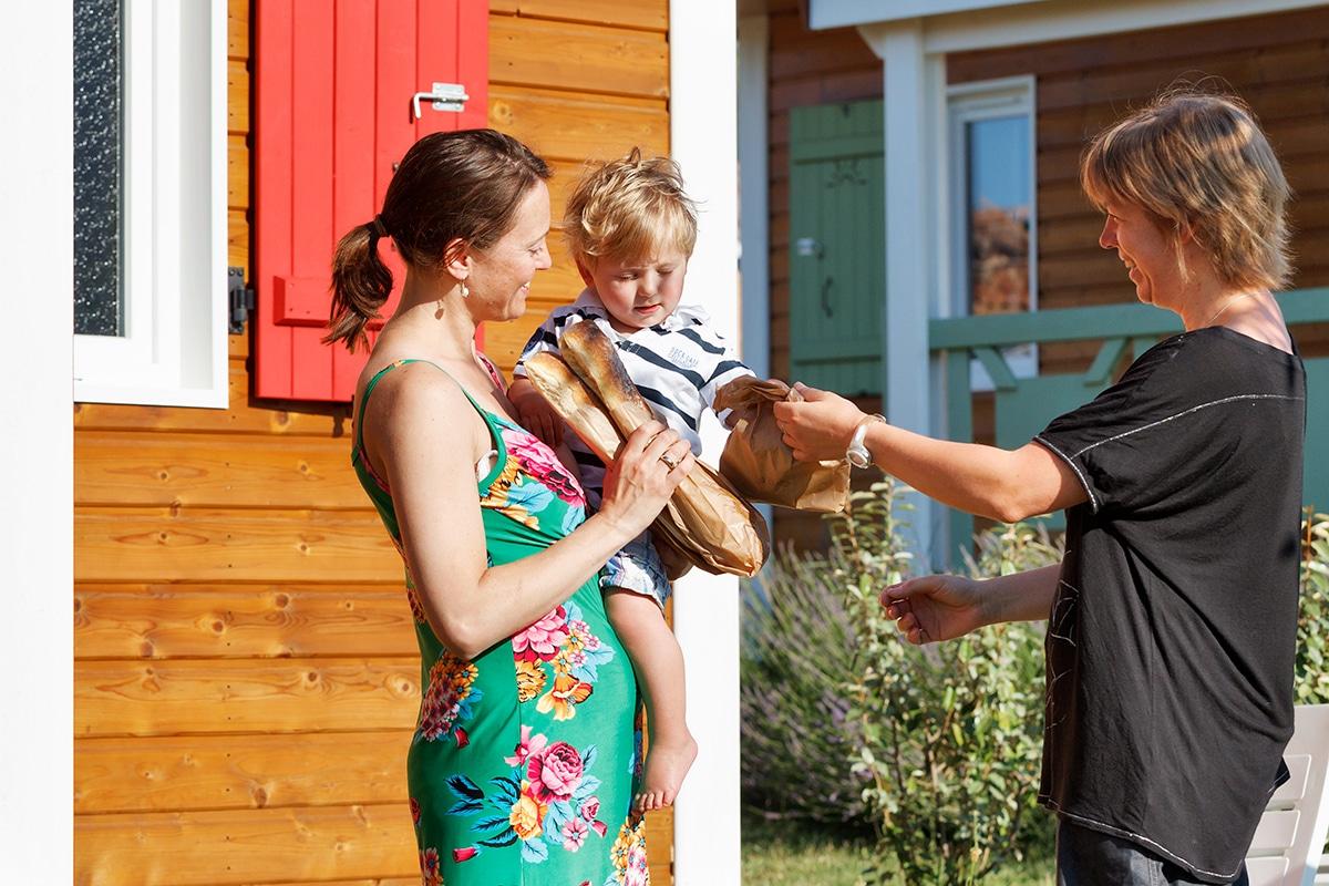 domaine de sevenier and spa sur place livraison pain 1 - Sur Place au camping Ardèche 5 étoiles